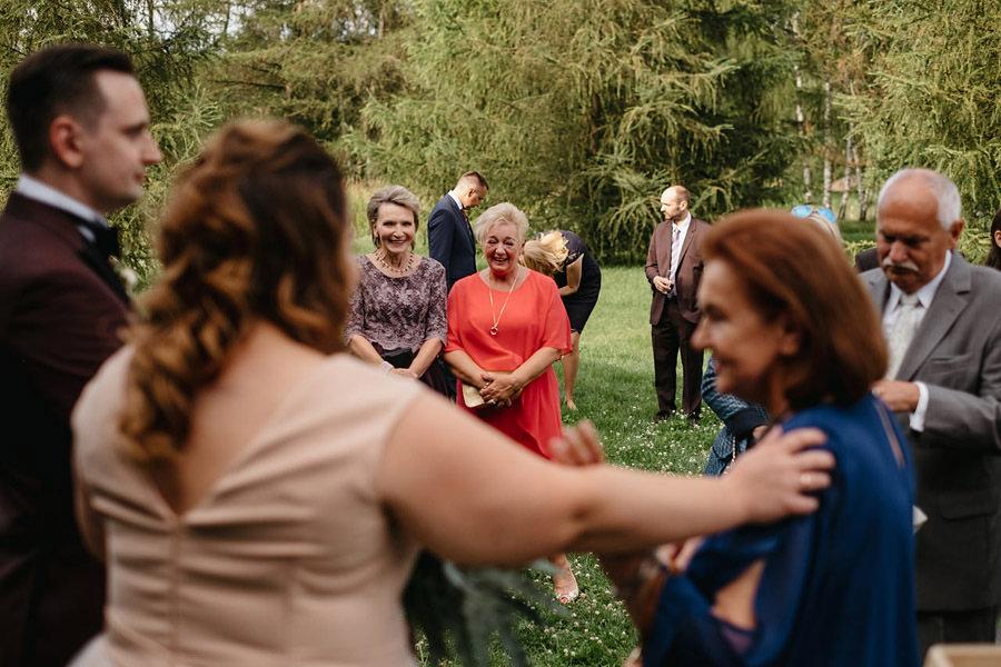 Kasia i Maciek | Rustykalne wesele w Stodole Wszystkich świętych 16
