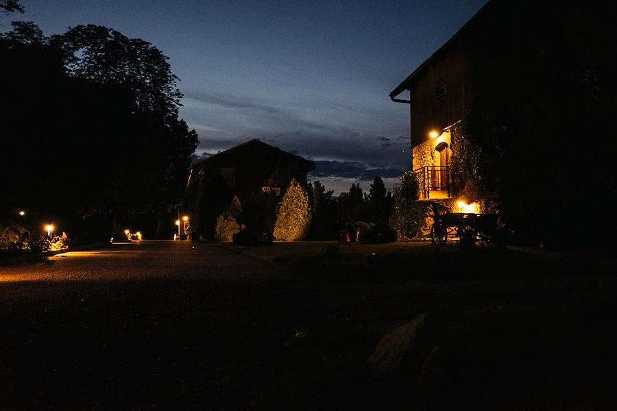 tomaszowice noca
