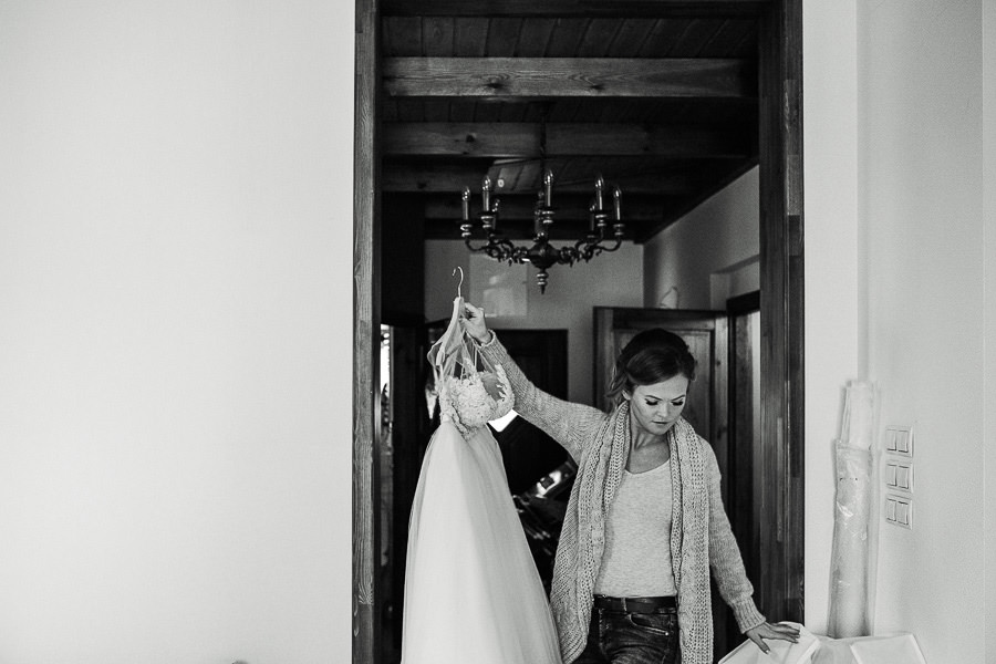 przygotowania panny mlodej reportaz suknia slubna
