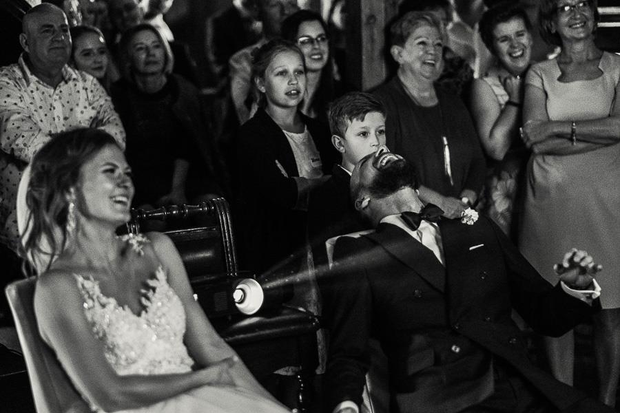 smiech emocje wesele