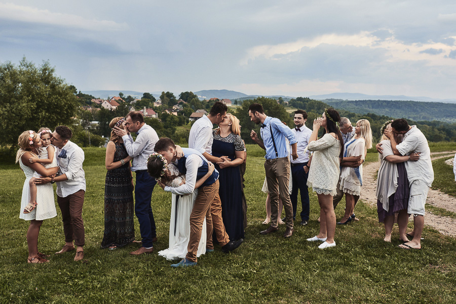 zdjęcia grupowe na weselu