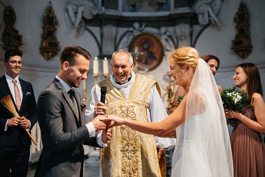 emocje na ślubie w kościele