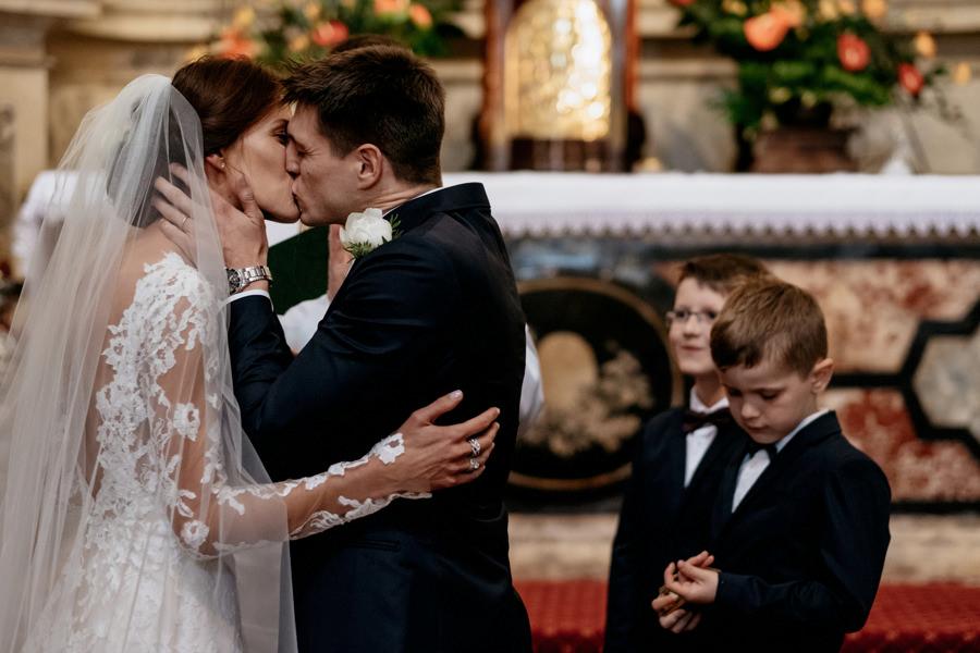 Ślub jednostronny - co to za rodzaj ceremonii ślubnej?