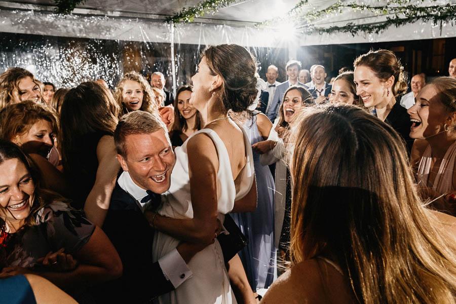 romantyczne wesele pod namiotem
